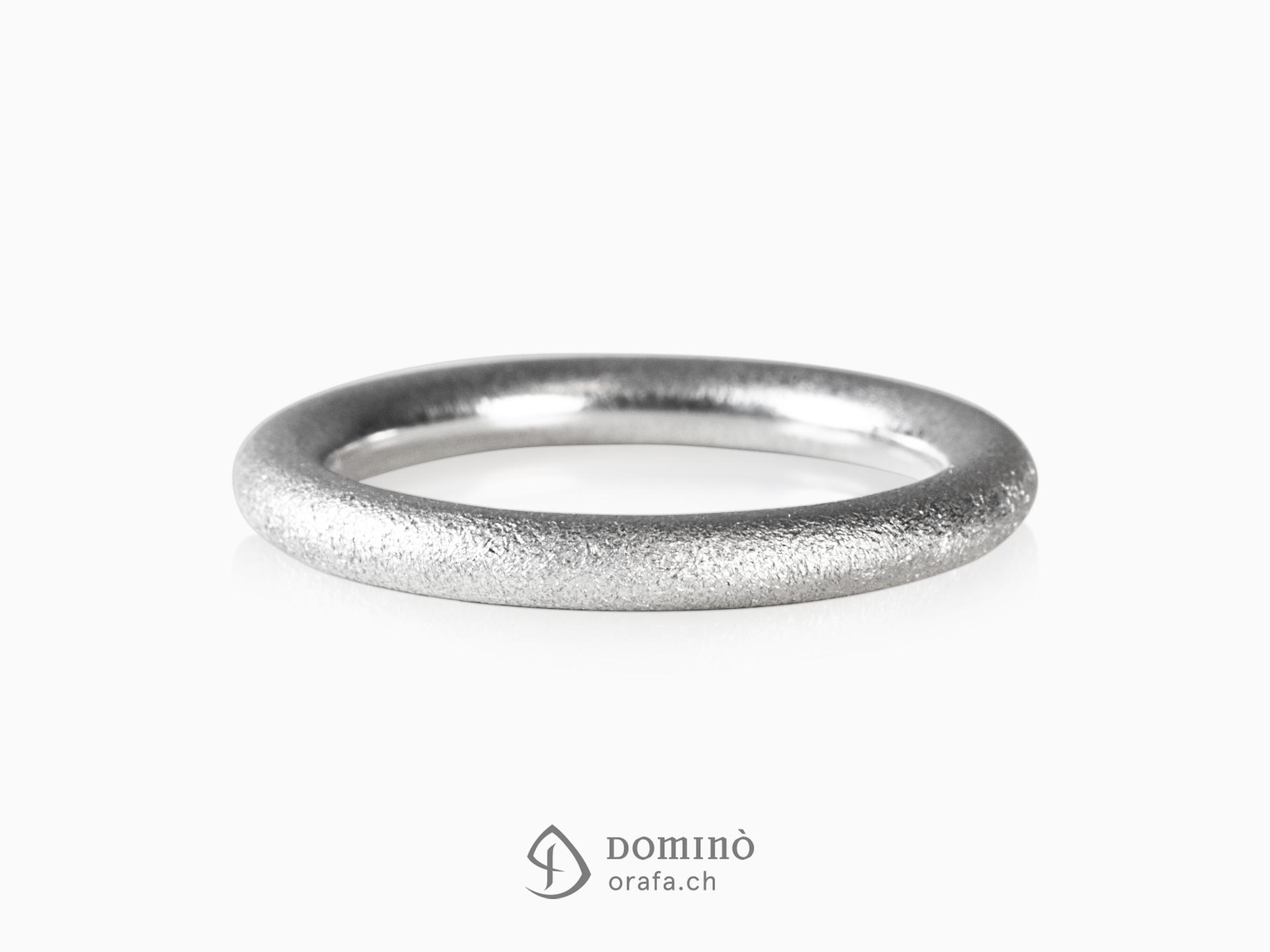 anello-rotondo-sabbiato-oro-bianco