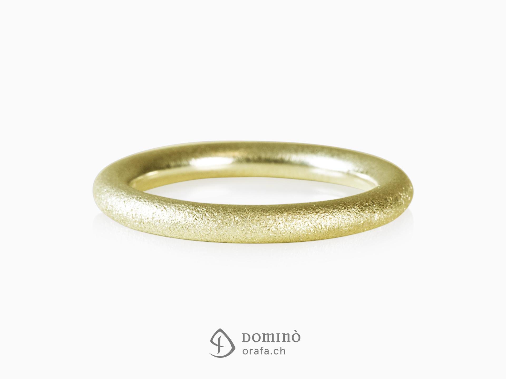 anello-rotondo-sabbiato-oro-giallo