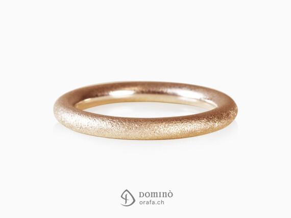 anello-rotondo-sabbiato-oro-rosso
