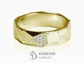 anello-sfaccettato-con-faccetta-di-diamanti-oro-giallo