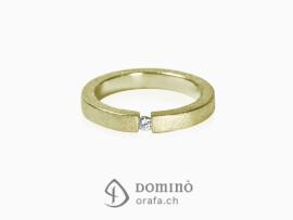 anello-squadrato-sabbiato-diamante-oro-giallo