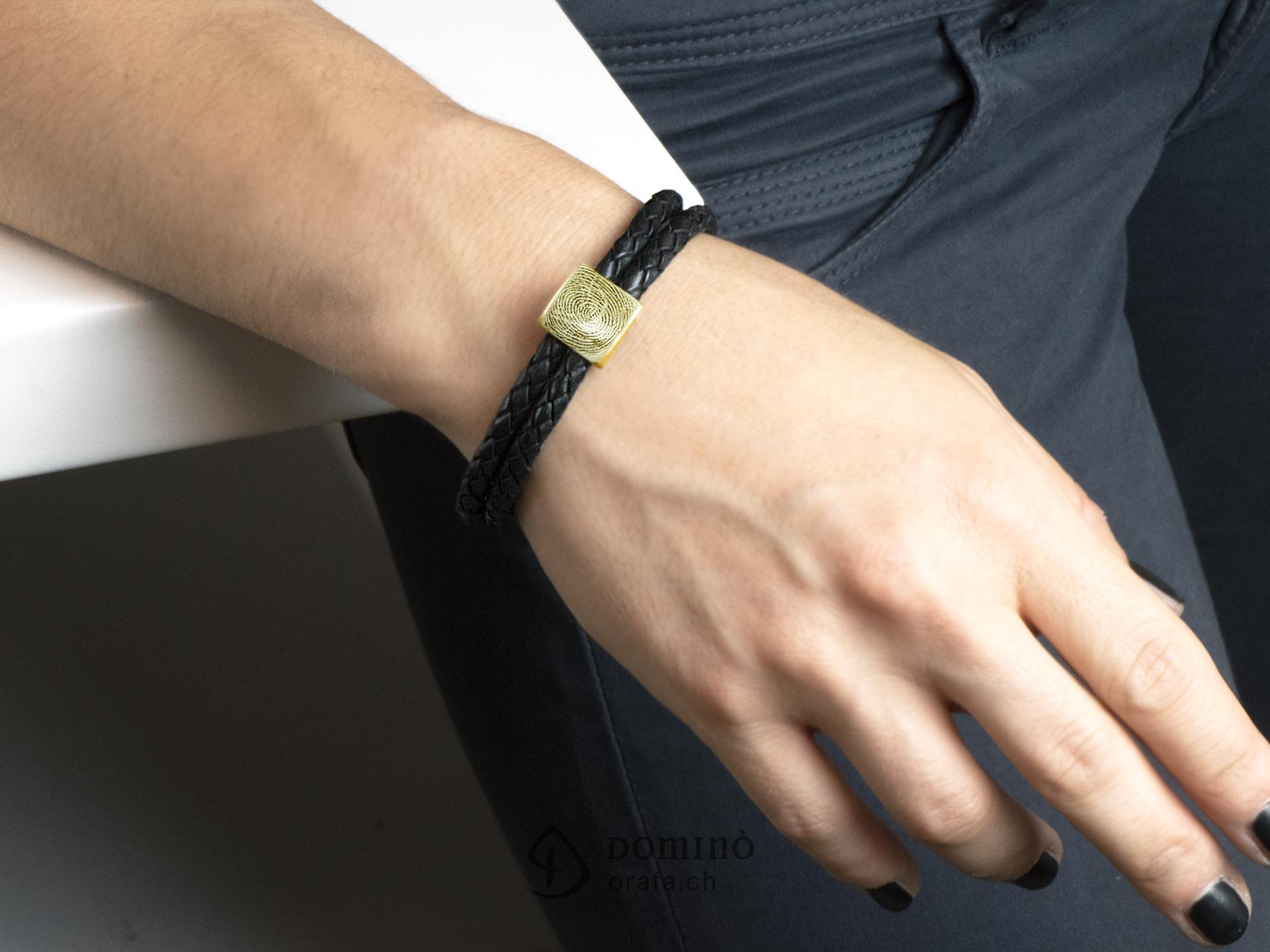 braccialetto-cuoio-impronta-digitale-quadrata-2
