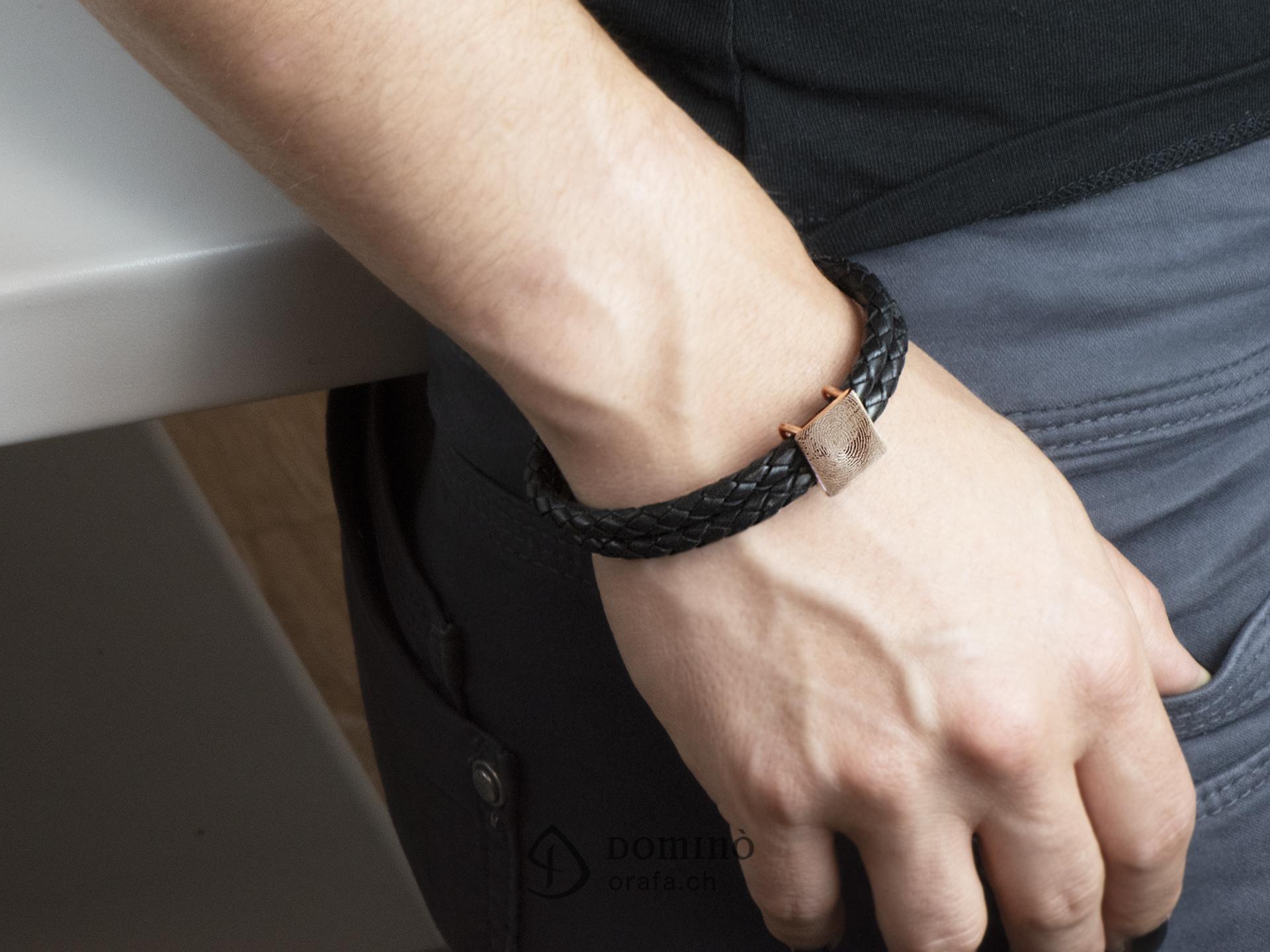 braccialetto-cuoio-impronta-digitale-quadrata-3