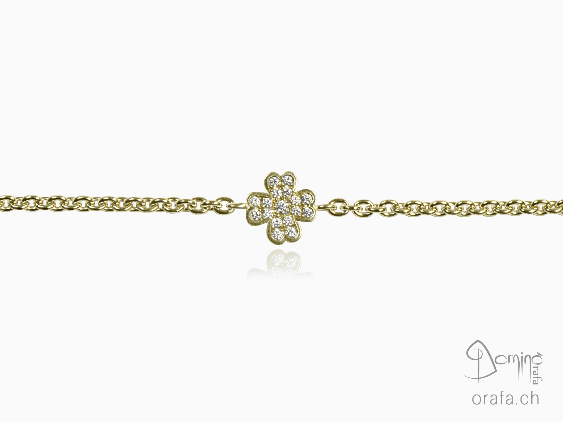 Four leaf clover bracelet with diamonds