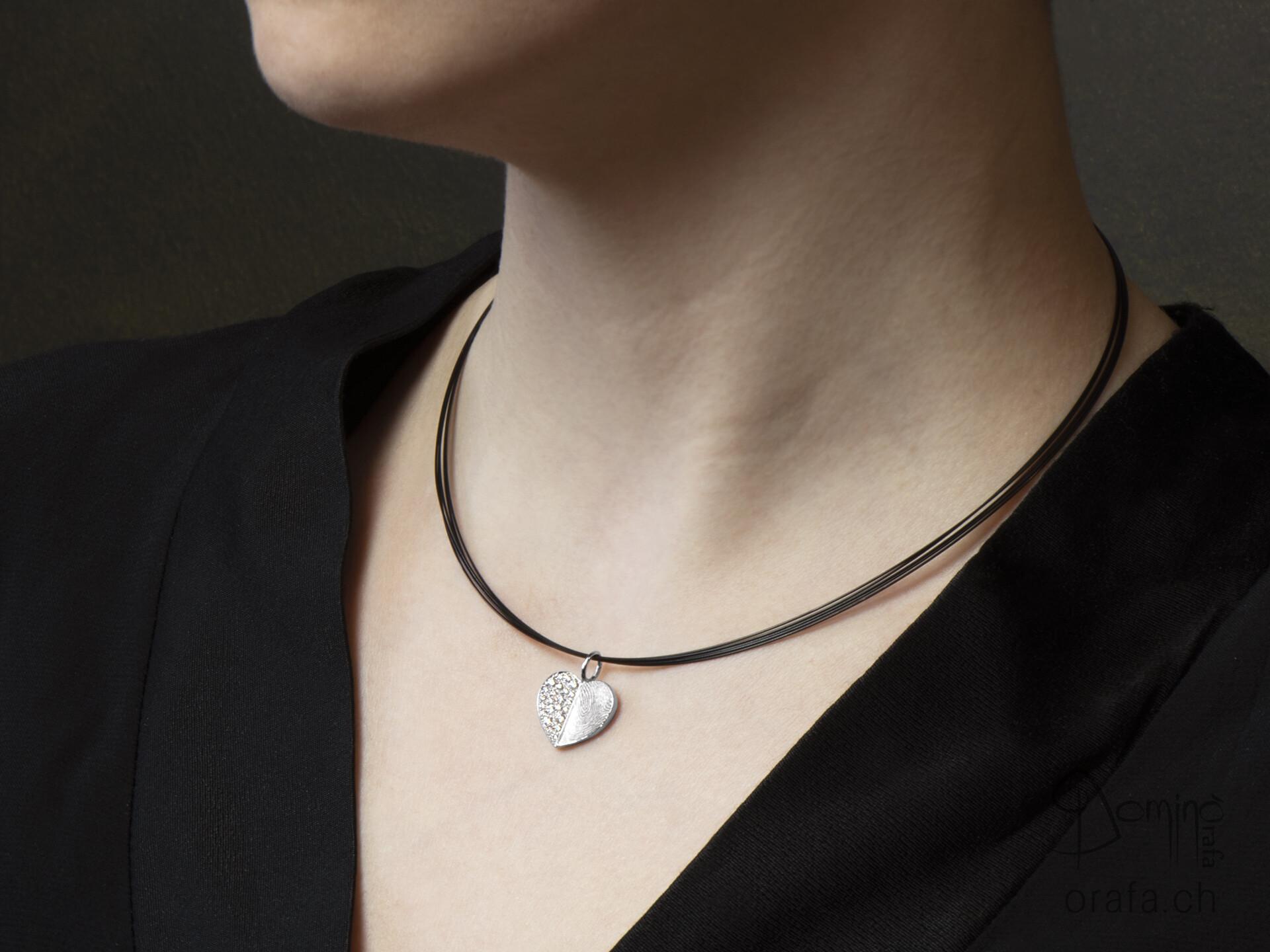 ciondolo-cuore-meta-impronta-digitale-meta-diamanti-1