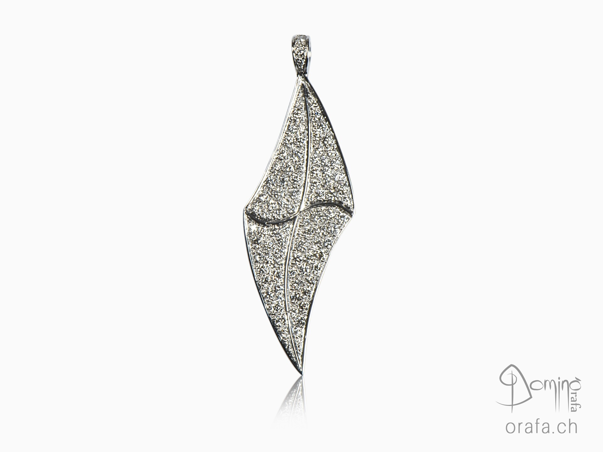 Diamonds pavé pendant