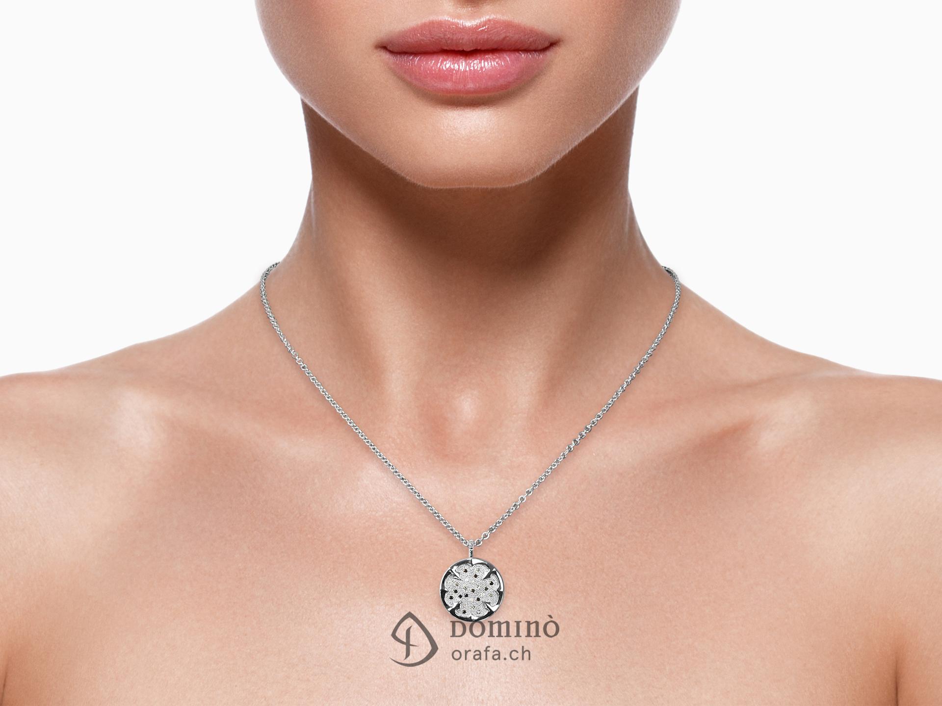 Ciondolo quadrifoglio con diamanti 1