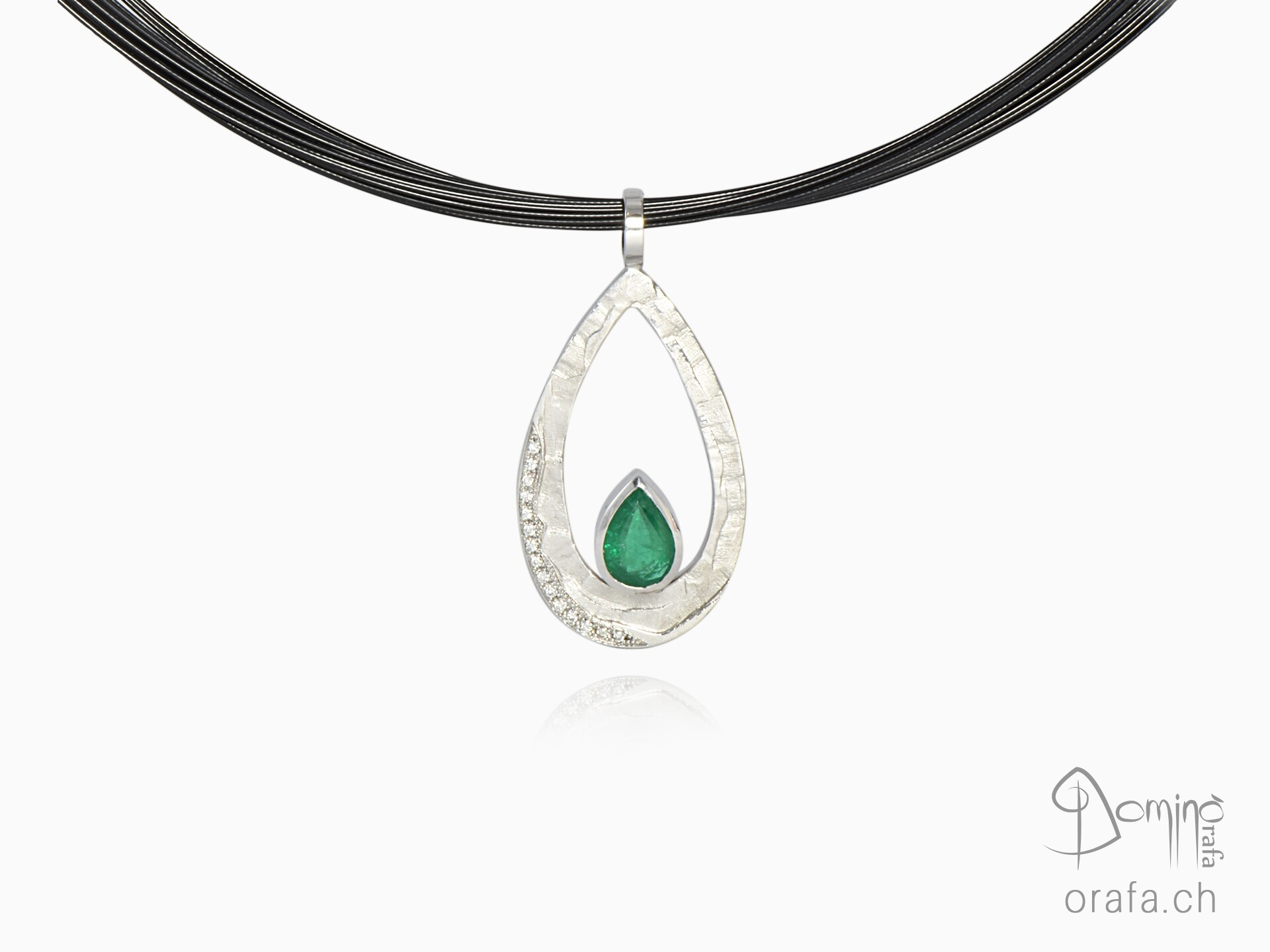 Ciondolo Sentiero con smeraldo e diamanti