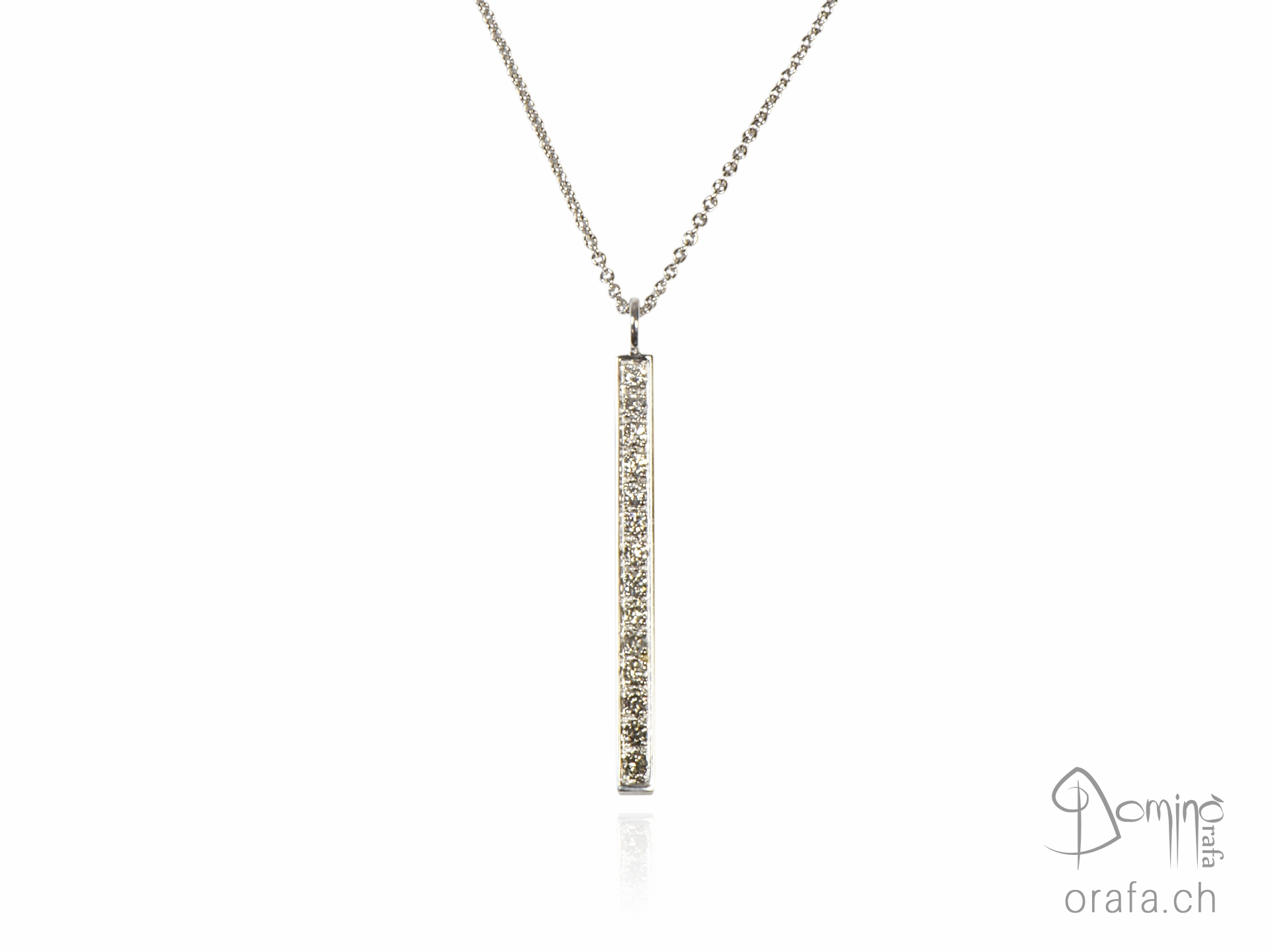 Ciondolo con sfumatura di diamanti incolore e grigi medio
