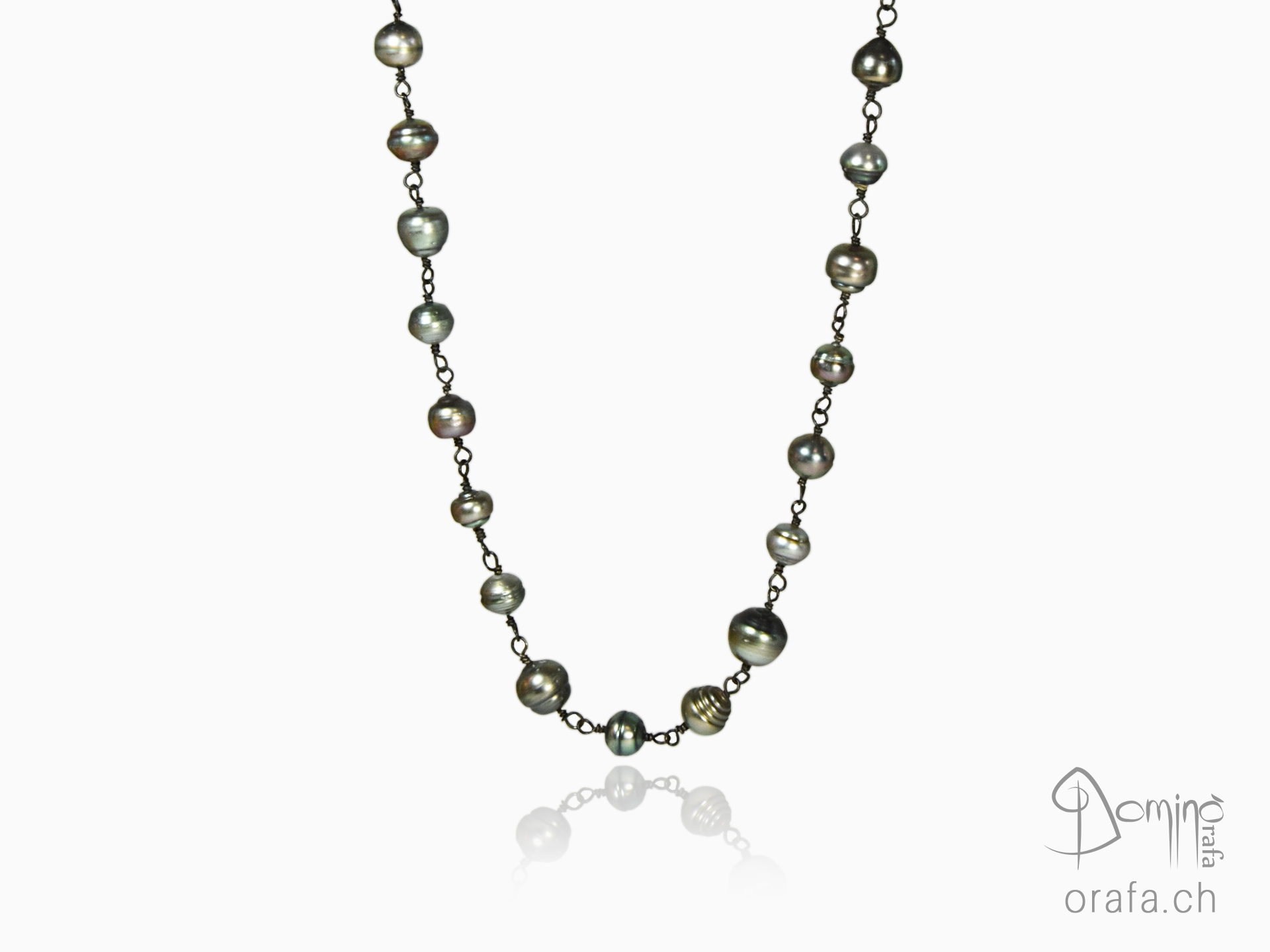Tahitian pearl necklace and oxidized silver