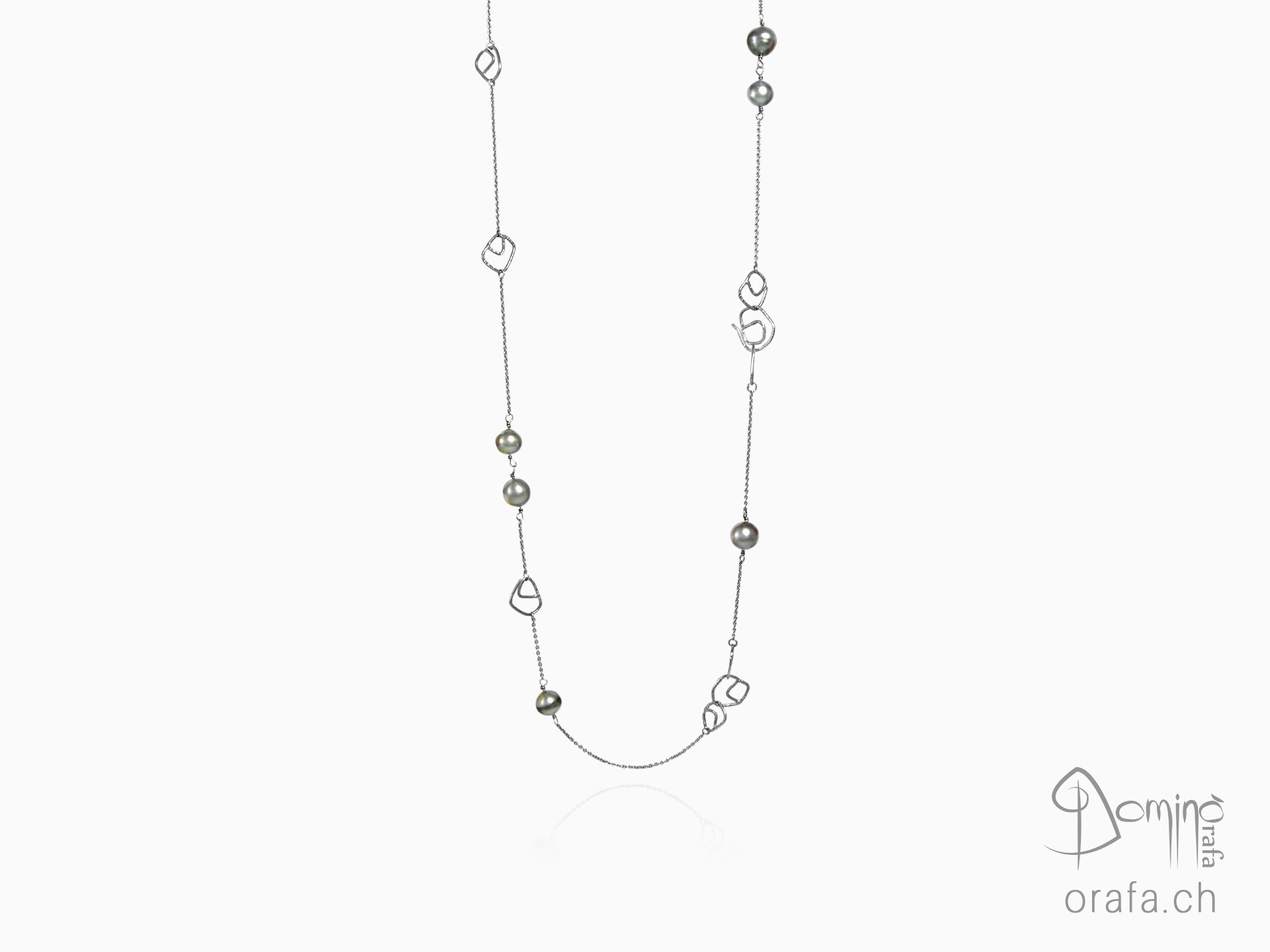 Long necklace, Fantasy elements and tahitian pearls