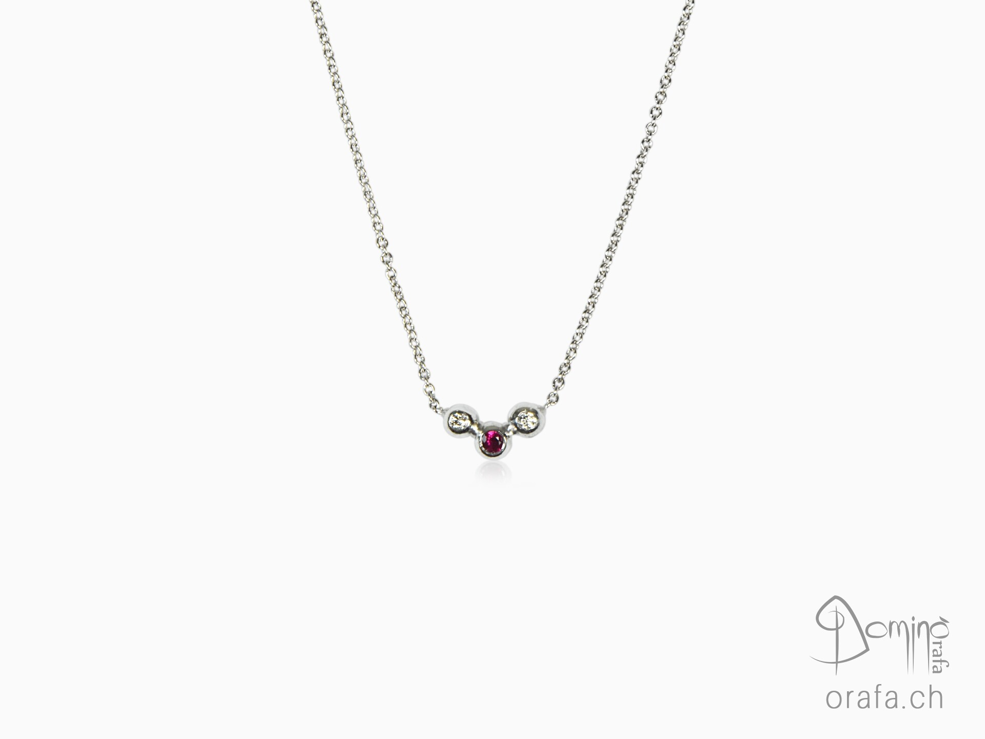 Sfere collier with diamonds and ruby