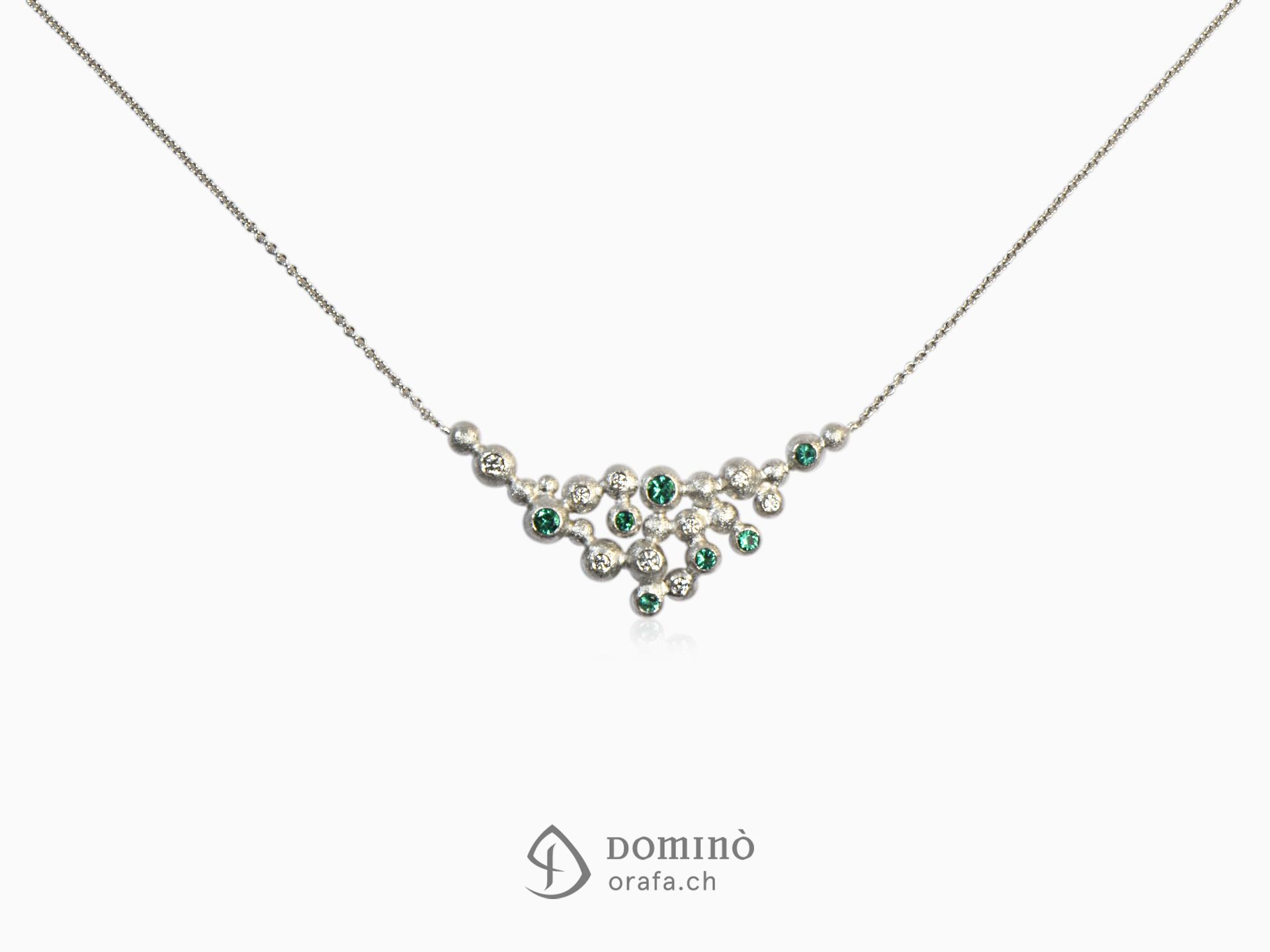 Collier in oro bianco con diamanti e smeraldi