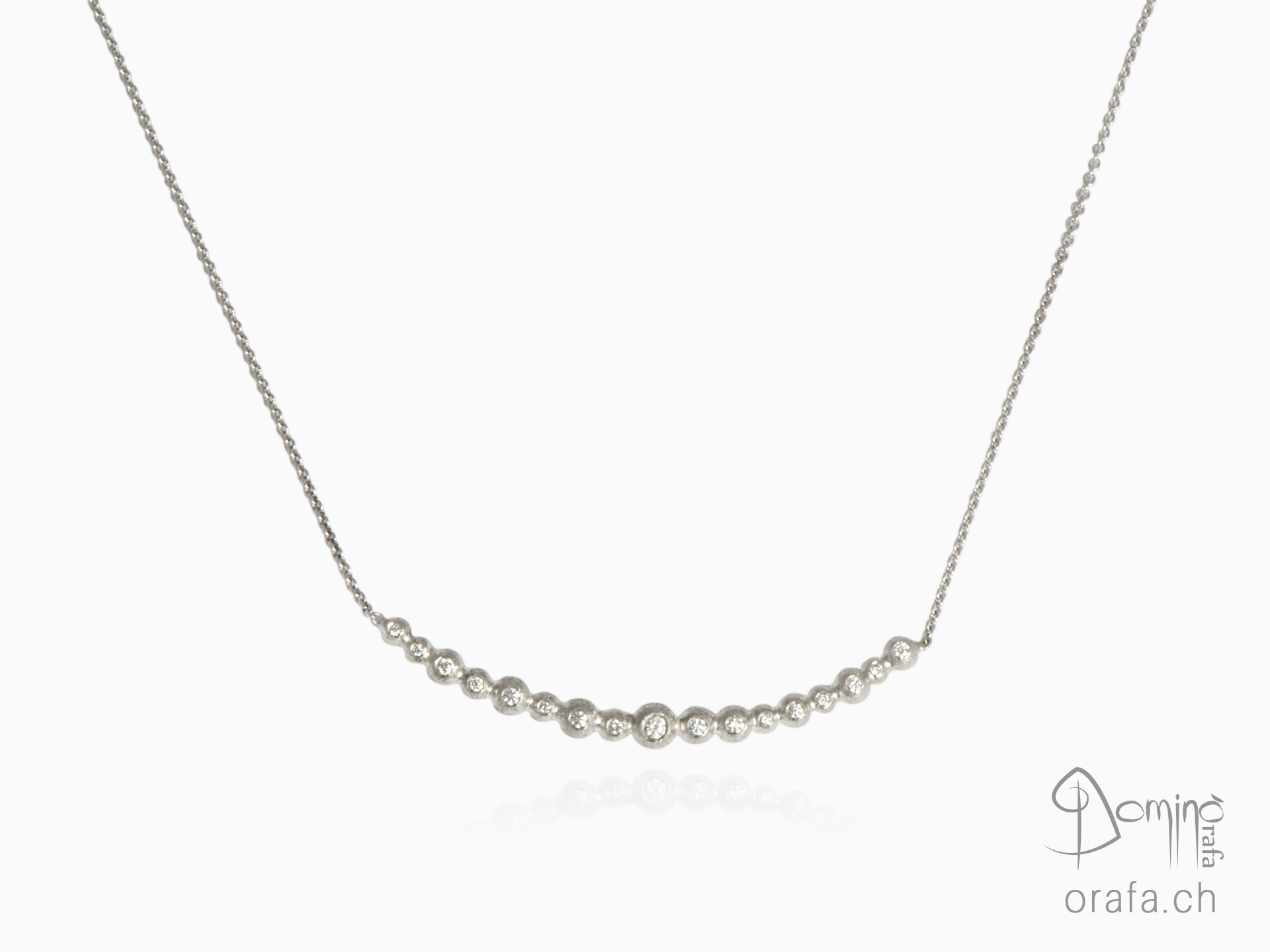 Diamonds Spheres collier