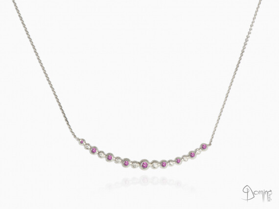 collier-sfere-lineari-zaffiri-rosa-diamanti-oro-bianco