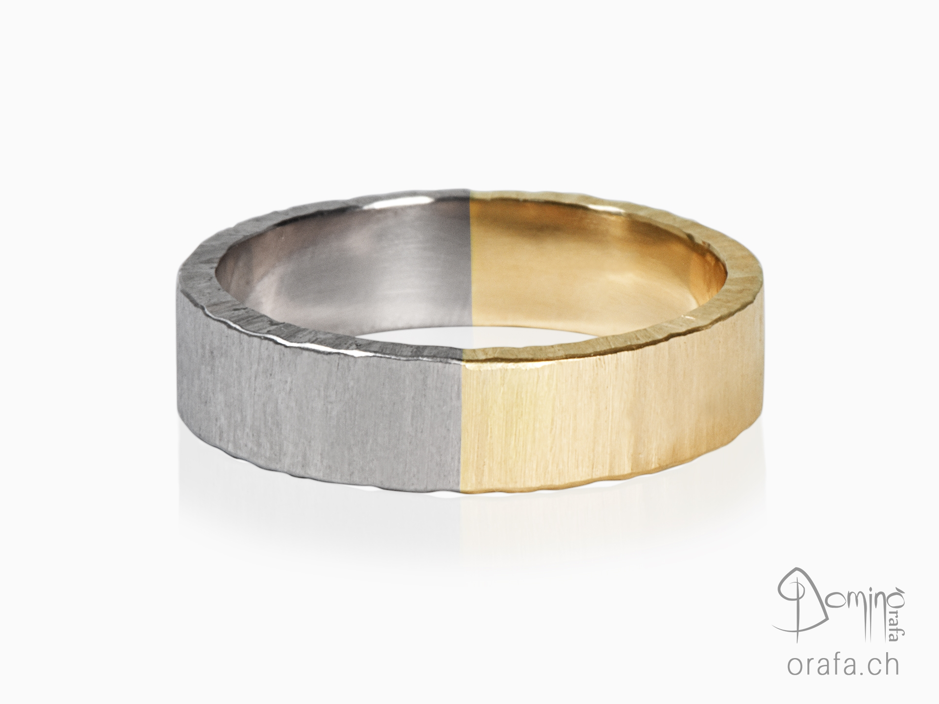Two-color wedding rings, Opaca finishing and irregular edges