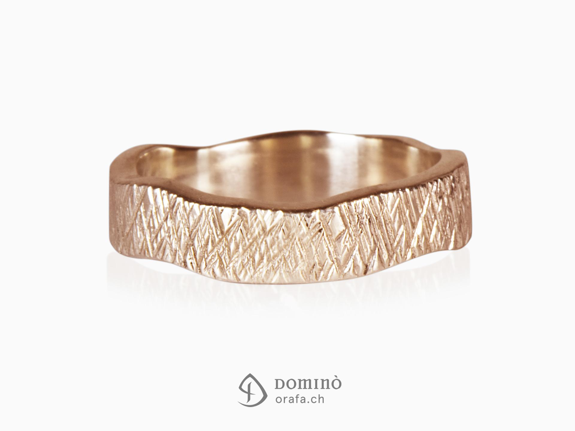 Irregular crossed Linee rings