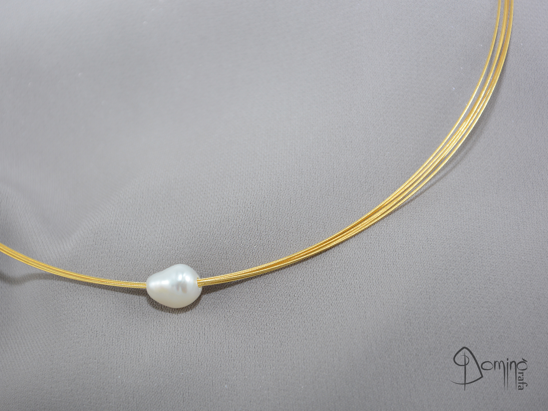 Girocollo in acciaio con perla d'acqua dolce