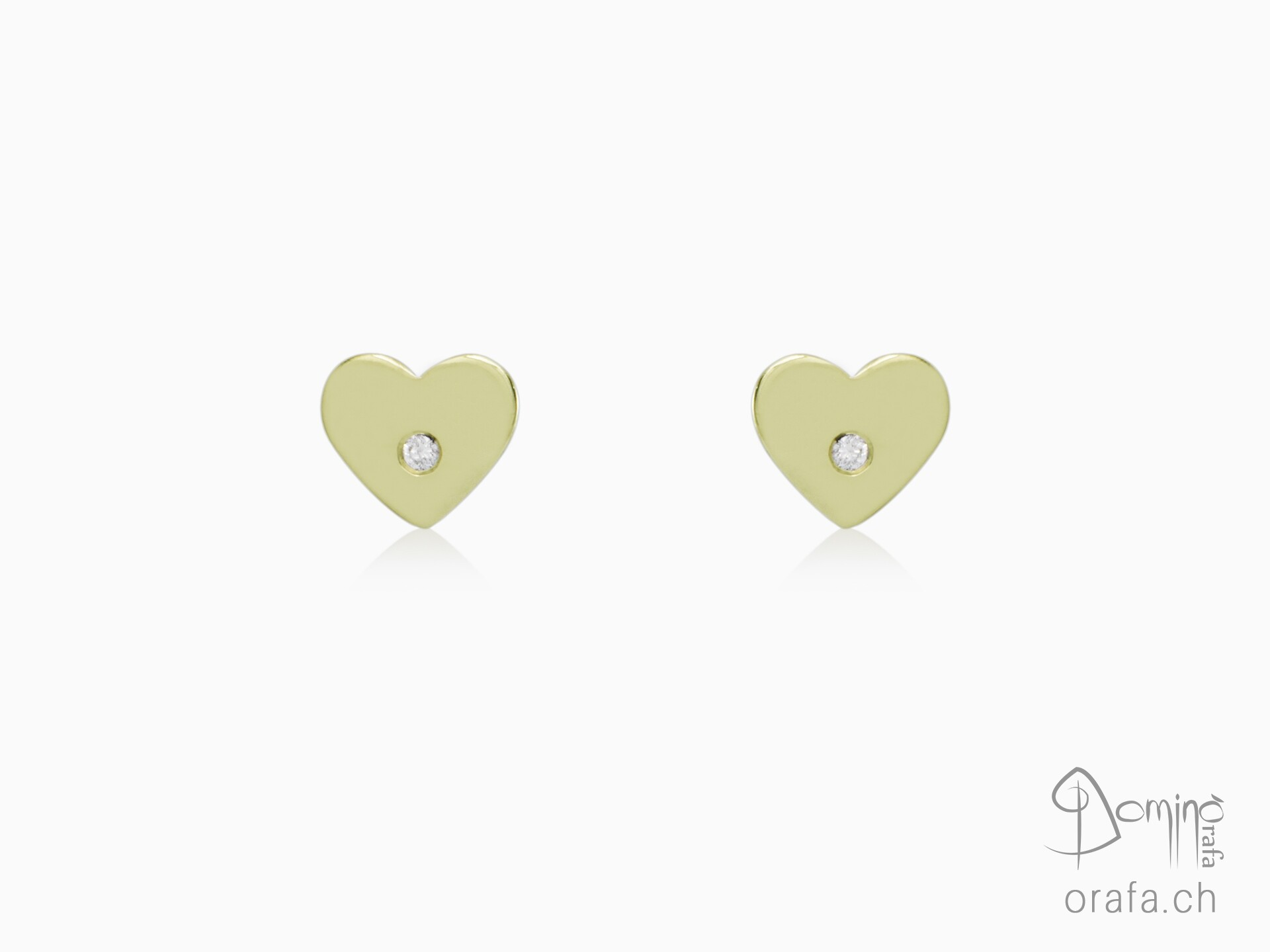 Hearts earrings with diamonds