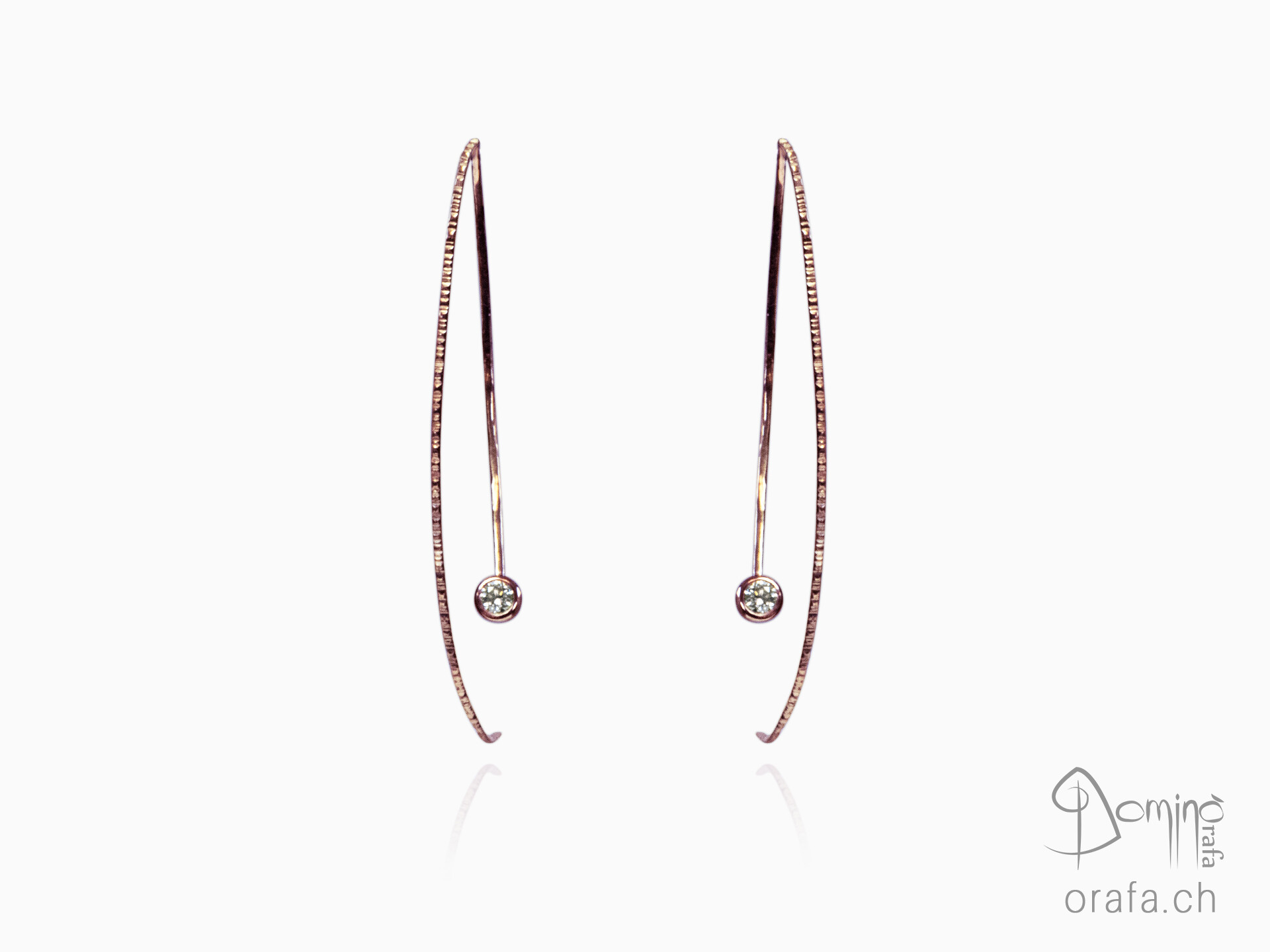 Long earrings with diamonds