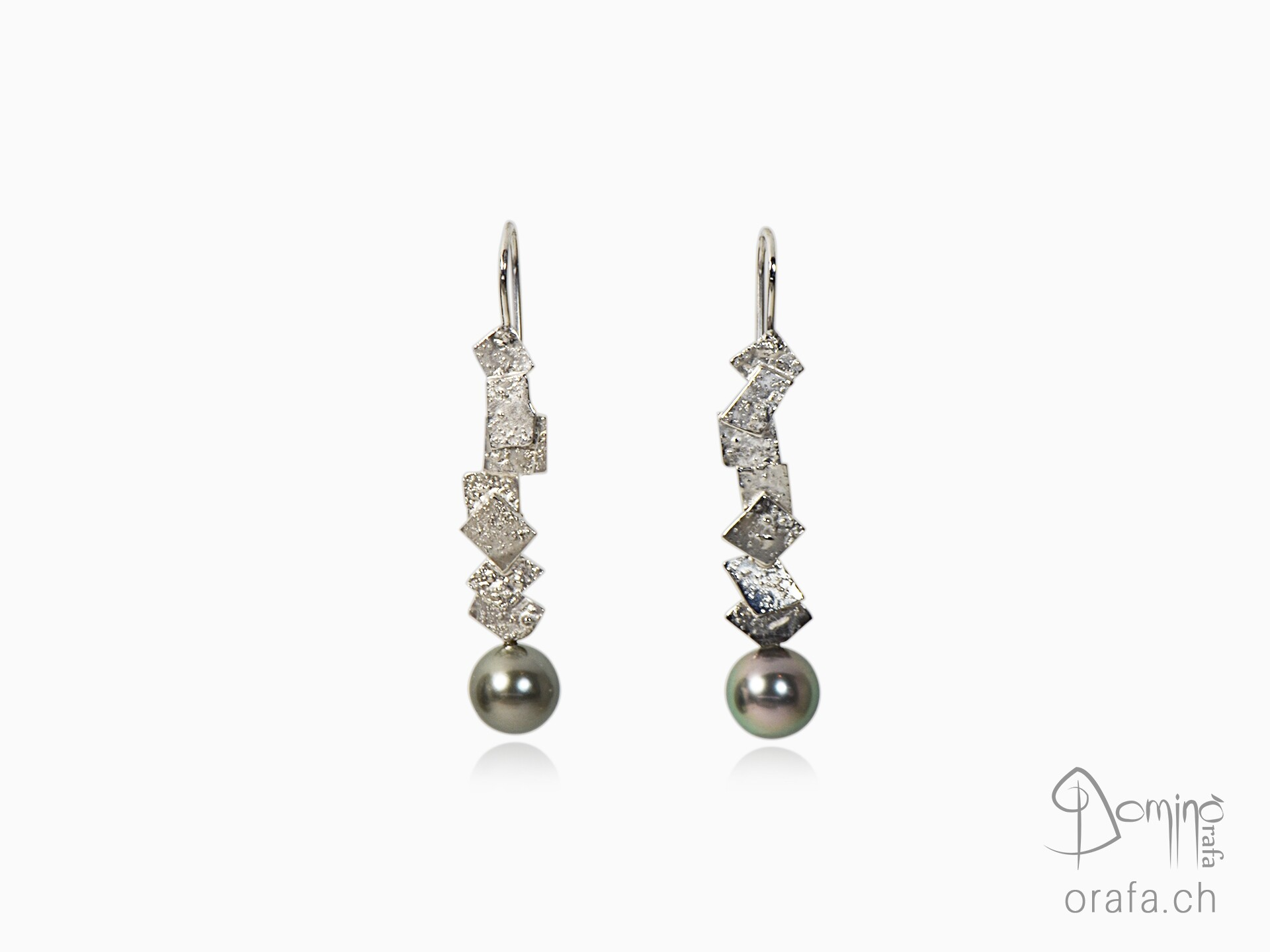 Frammenti earrings with tahitian pearls