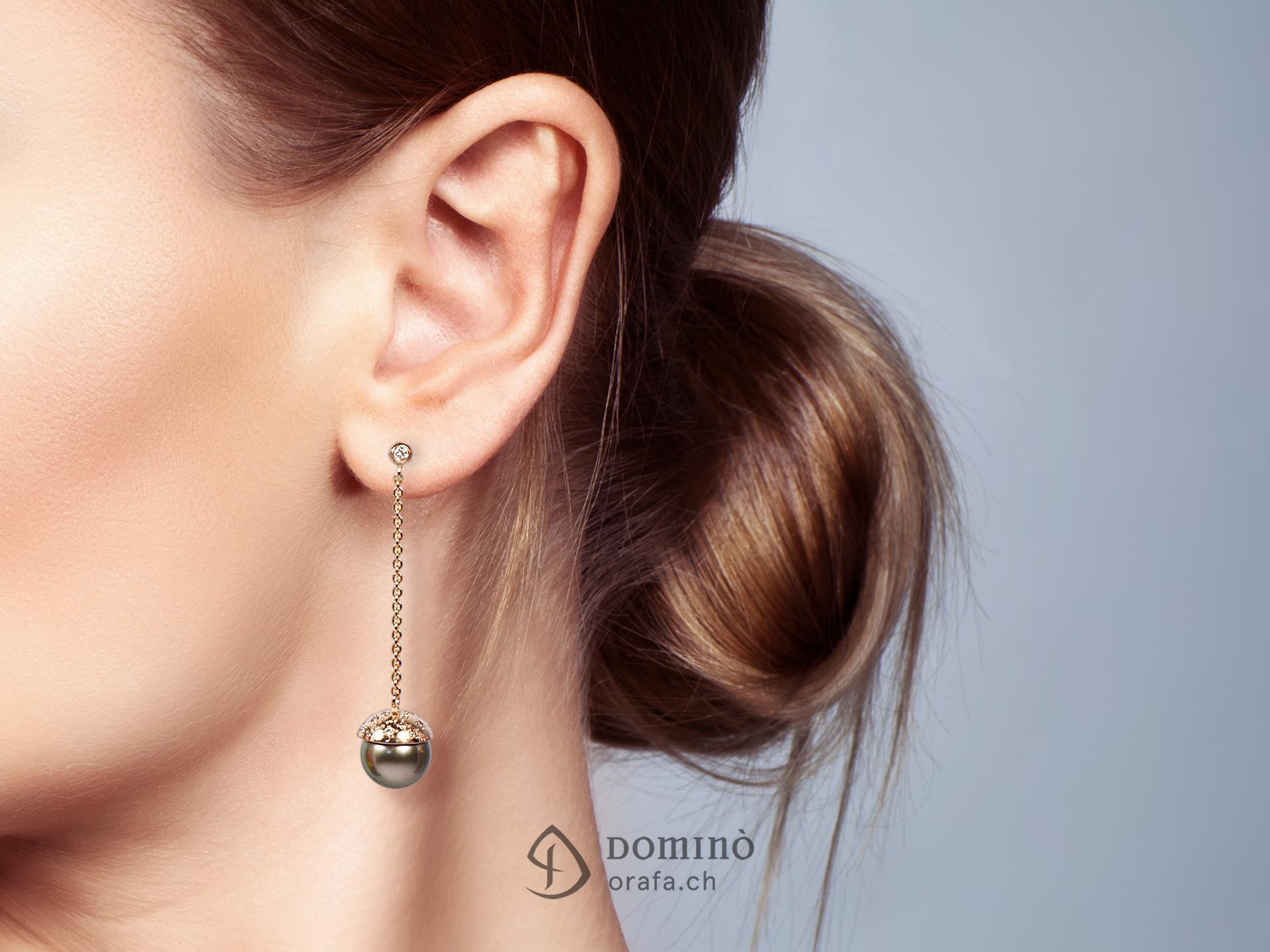 Orecchini in oro rosso con 48 diamanti e perle tahiti 1