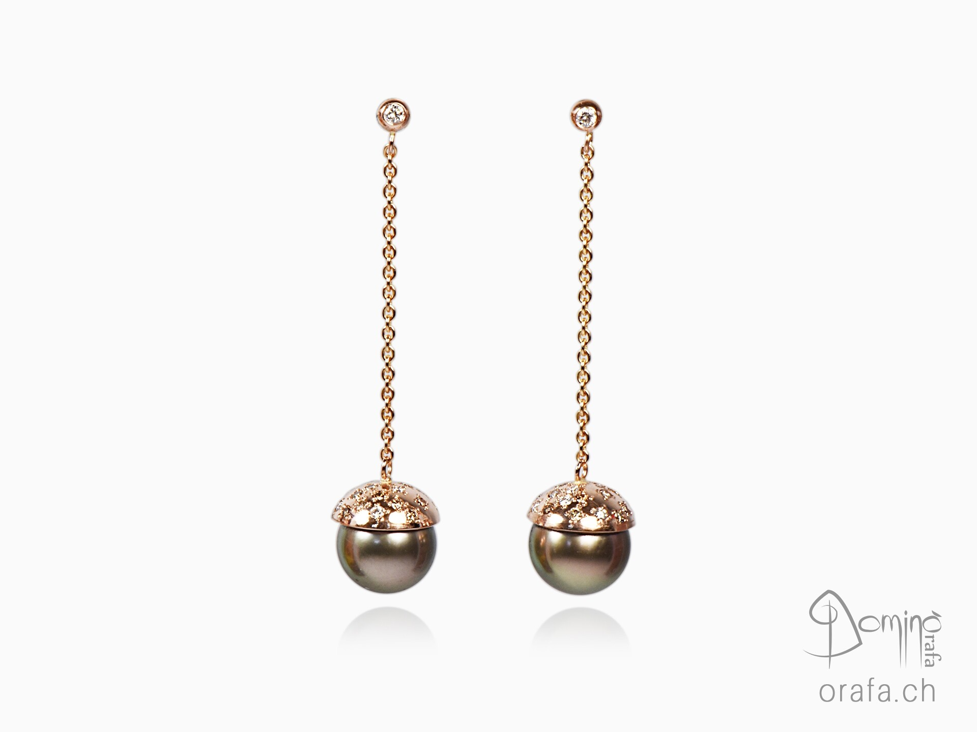 Red gold earrings with tahitian pearls and diamonds