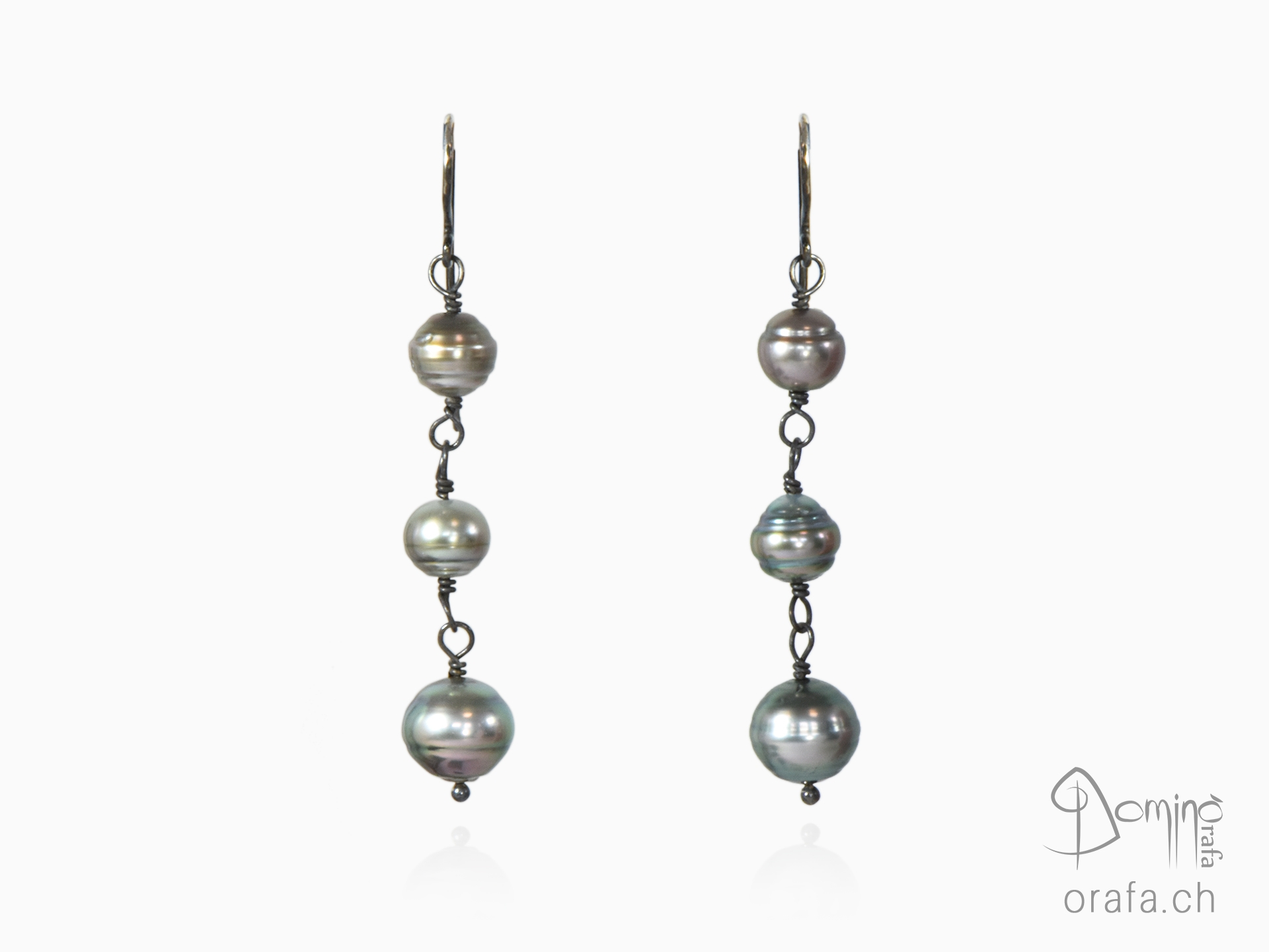 Tahitian pearl earrings and oxidized silver