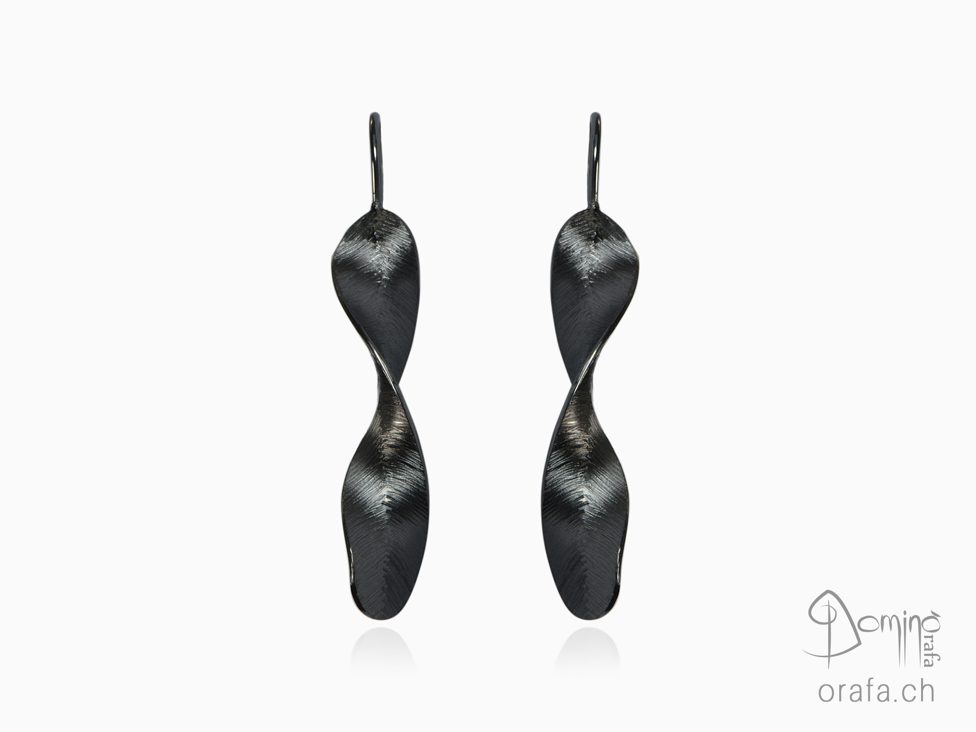 Black Piume earrings