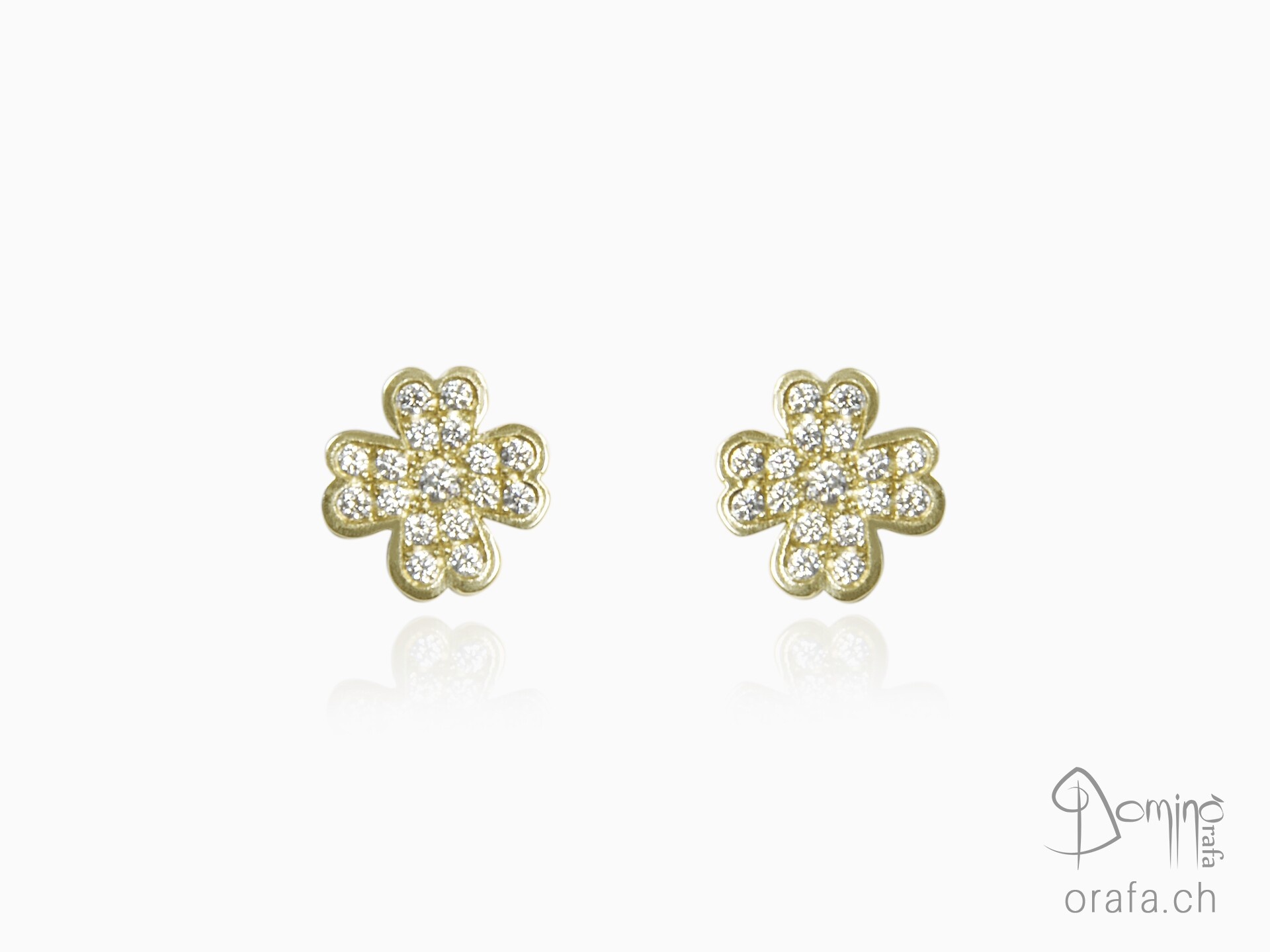 Diamonds four leaf clover earrings