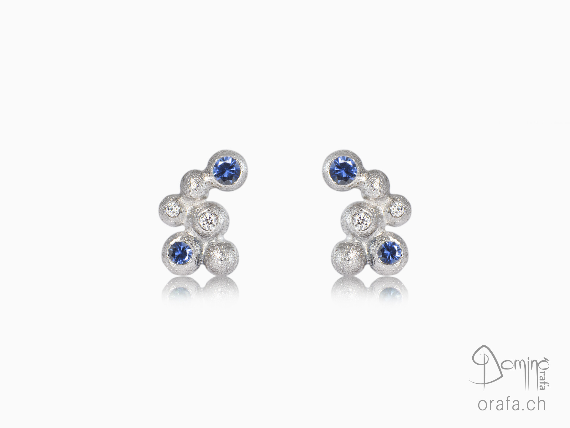 Sphere earrings with diamonds and blue sapphires