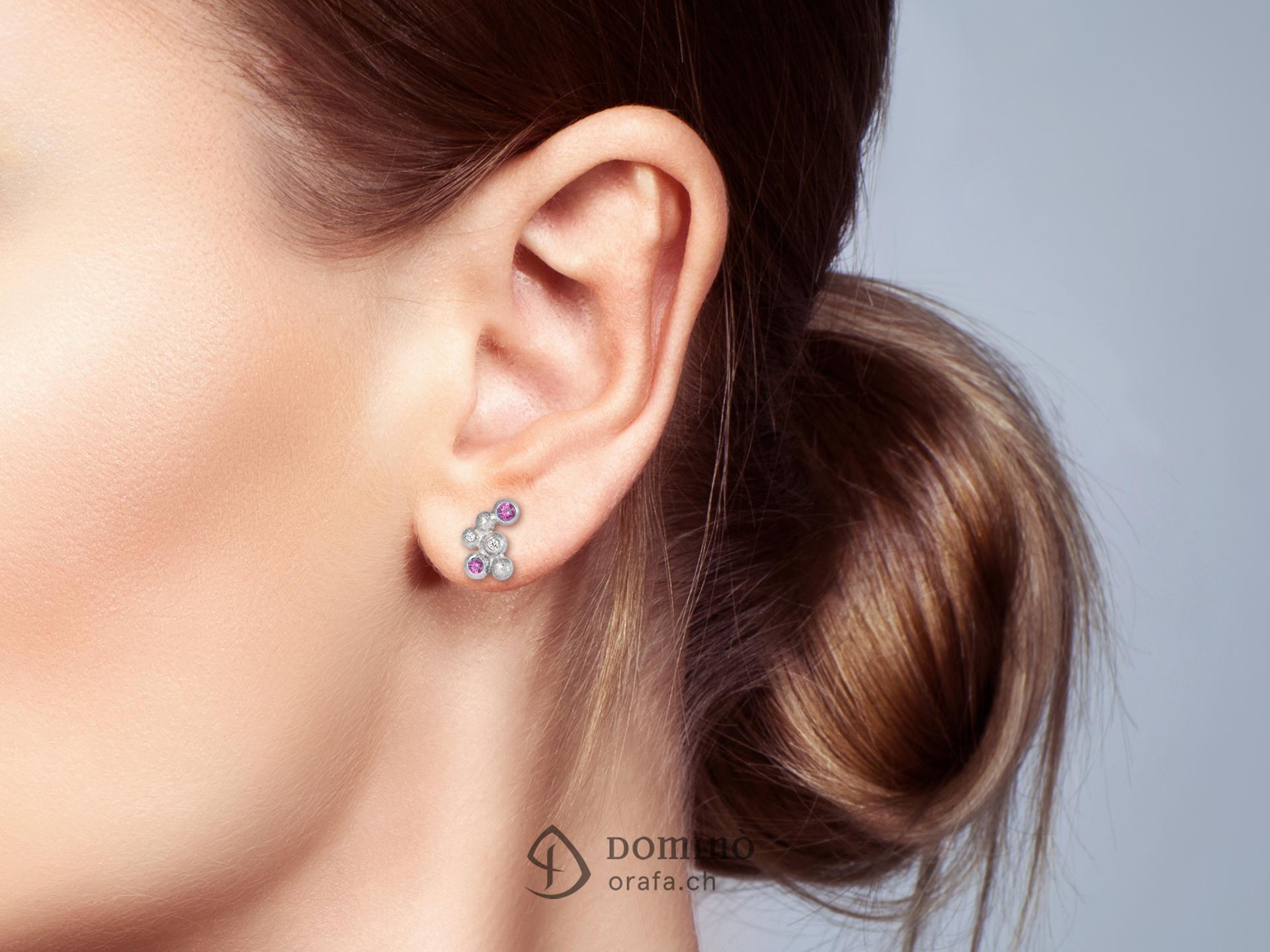 orecchini-sfere-piccoli-sabbiati-diamanti-zaffiri-rosa-1