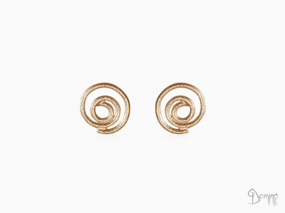 orecchini-spirali-sabbiate-piccoli-oro-rosso
